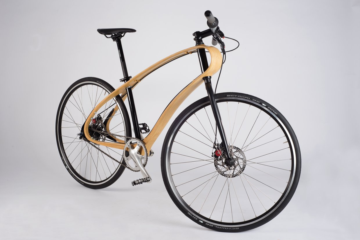 Wooden bike with unibody frame made by Jan.
